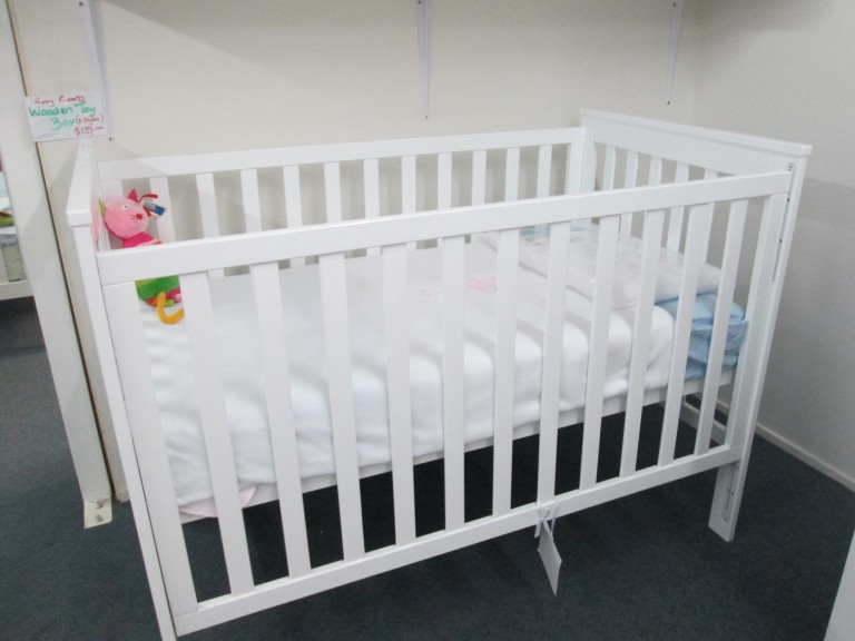 JellyBaby Wooden White Cot